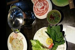 桃花园海鲜特色肥牛价格火锅|菜谱菜单_桃花园蒜盐调味料可做什么图片
