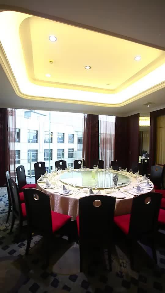 超大桌,可坐下16人