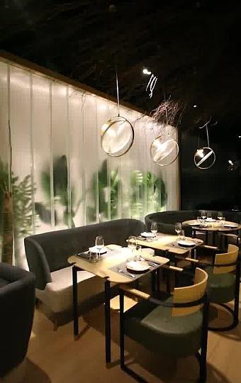 一家中西融合 具有艺术时尚的餐厅