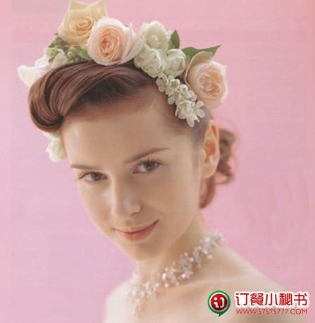 花朵与长发 打造优雅的欧式新娘发型