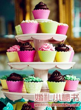 可爱的纸杯婚礼蛋糕