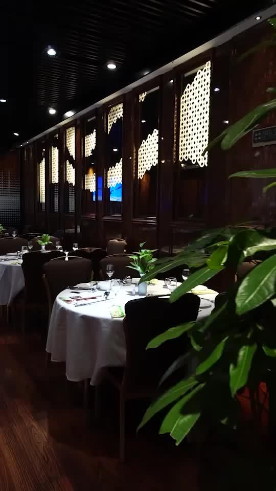 聽名字就知道是一家來自香港的老牌餐廳