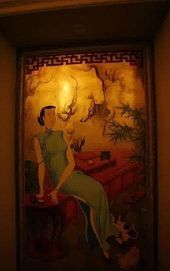 以老上海情怀为主,座椅却故意设计西式风格,宫廷椅很有格调,中西结合很到位