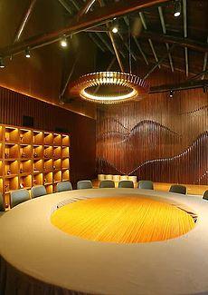 全木质中式抽象设计非常有特色