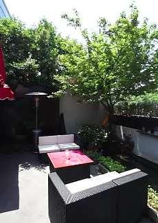 室外小花圃 情况幽静