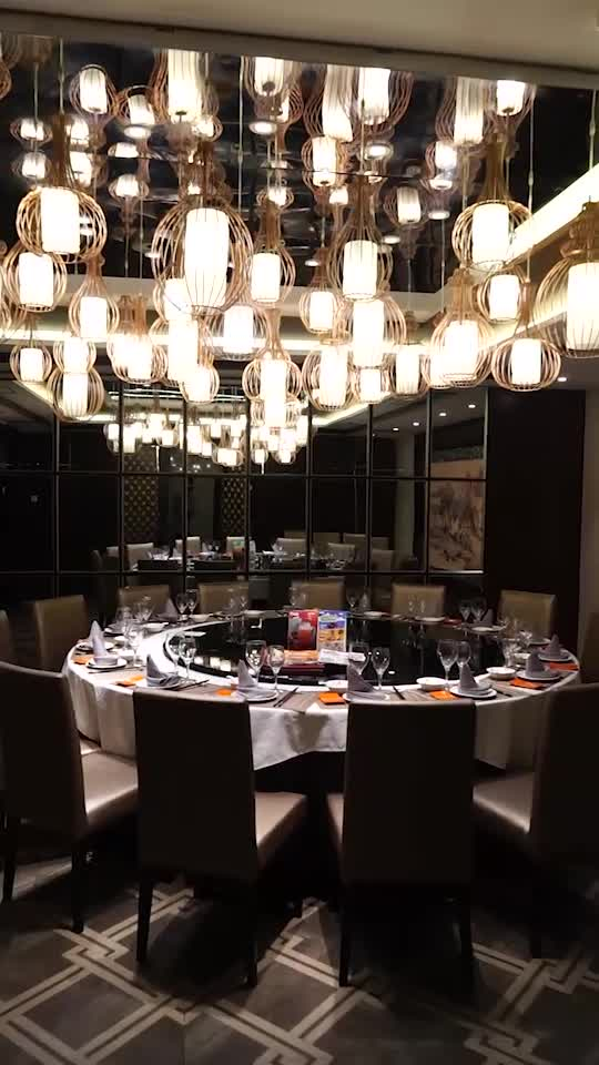 大年夜名鼎鼎的宁波菜饭铺,人均150块阁下就吃的不错了,在这里请客比拟较较实惠也很有面子