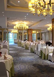 位于五星级酒店内,果然气派优雅