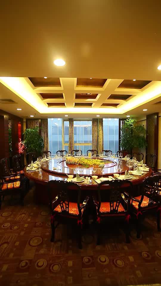 超大桌包房,適合商務宴請或人多的聚會