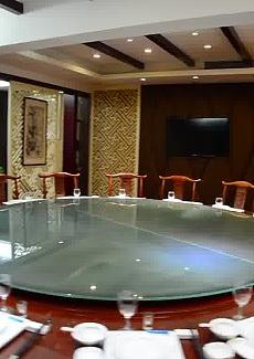 超大红木桌面