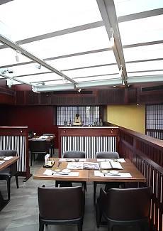 休闲轻松的日料餐厅 古朴而又时尚
