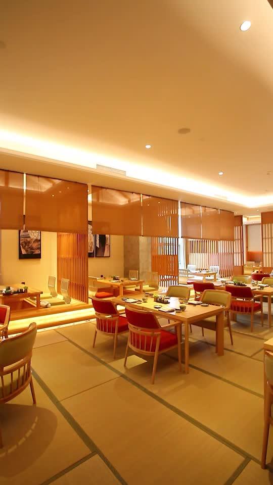 全球第一家城市養生酒店中的日料餐廳,環境高雅而安靜