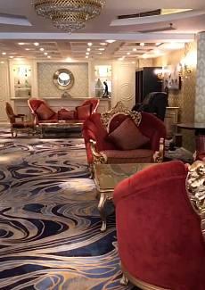 超大的包房,宽敞的休息区,聚餐,宴请。