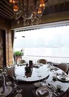 沉稳大理石餐桌,低调的奢华