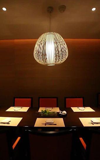 细节的摆台展现日本文化对美食的敬意