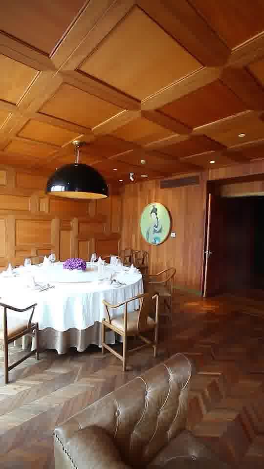 包房均有休息区,设备齐全,适合宴请。