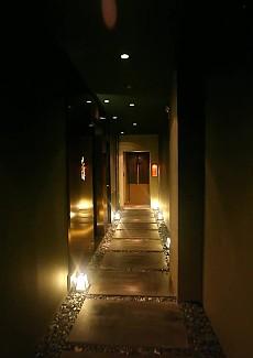 昏暗的灯光,时尚的环境