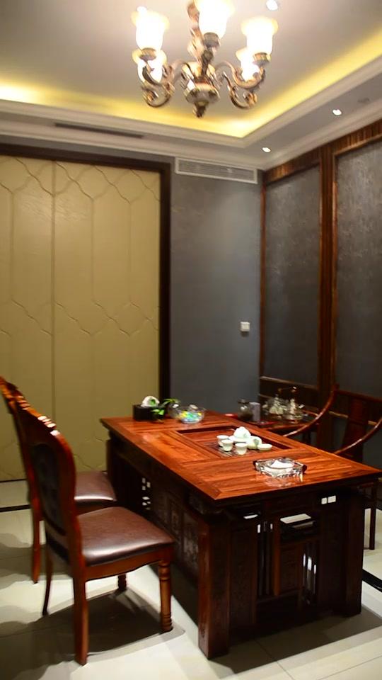 高檔會所形式的餐廳,主做海鮮、粵菜及本幫菜