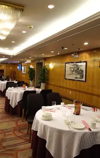 上海少有的能吃到活海参的店