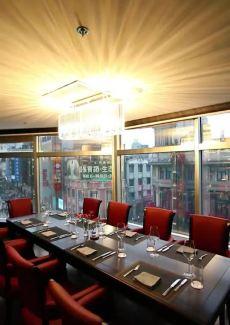 克一览南京东路繁茂风景,却得益于海伦宾馆之幽雅