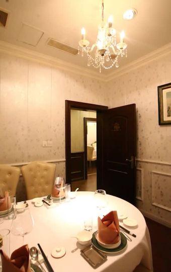 绍兴路上的杜月笙四太太公馆,现如今成为经典本帮花园式餐厅