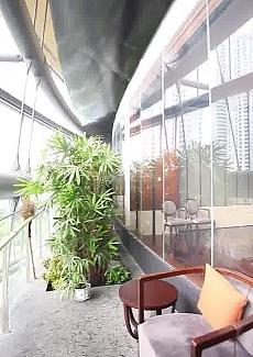 坐落于上海中间,视野超好的豪华包房